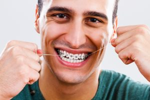 The Difference Between Waxed and Non-waxed Floss